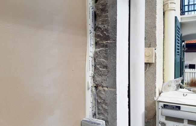 Windows and façade reform in Biarritz. Basque Coast.
