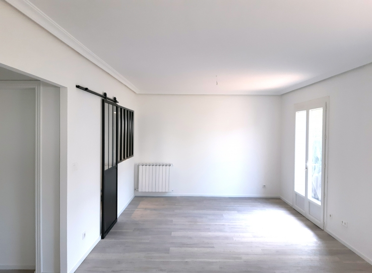 Painting, plasterboard and wallpaper